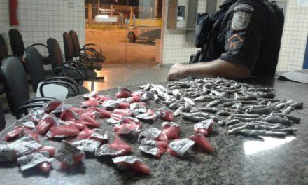 Três são presos e dois apreendidos durante ações de combate ao tráfico na região