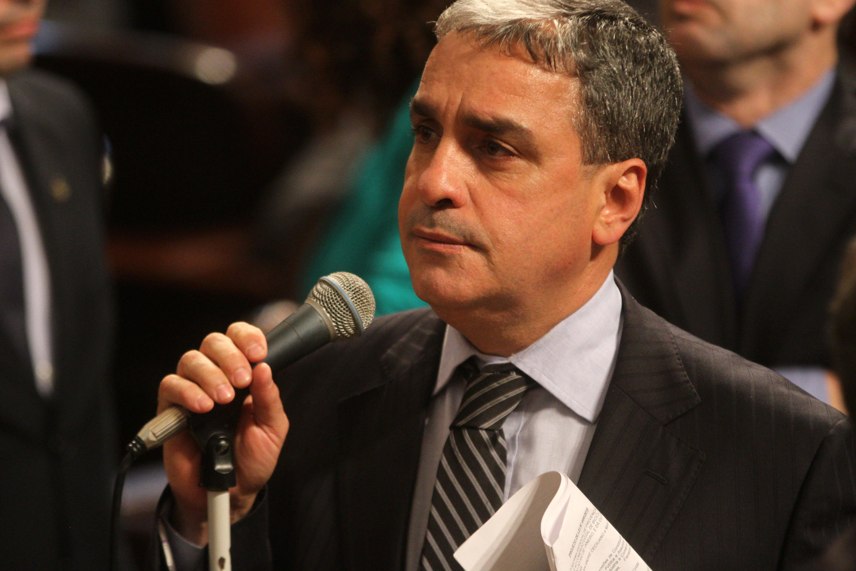 Presidente em exercício da Alerj é acusado de improbidade administrativa