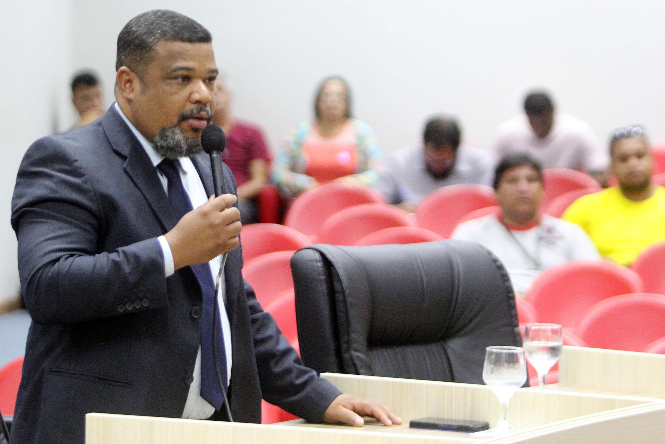 Requerimento sobre reforma no Terminal Central gera polêmica na Câmara de Macaé