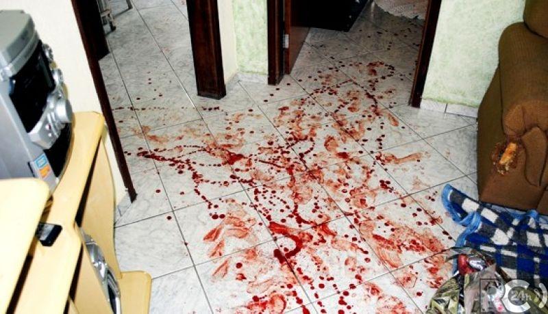 Filho degola a própria mãe e é preso em Araruama