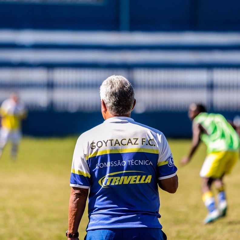 Goytacaz anuncia a renovação de peças importantes para a disputa da primeira fase do Carioca