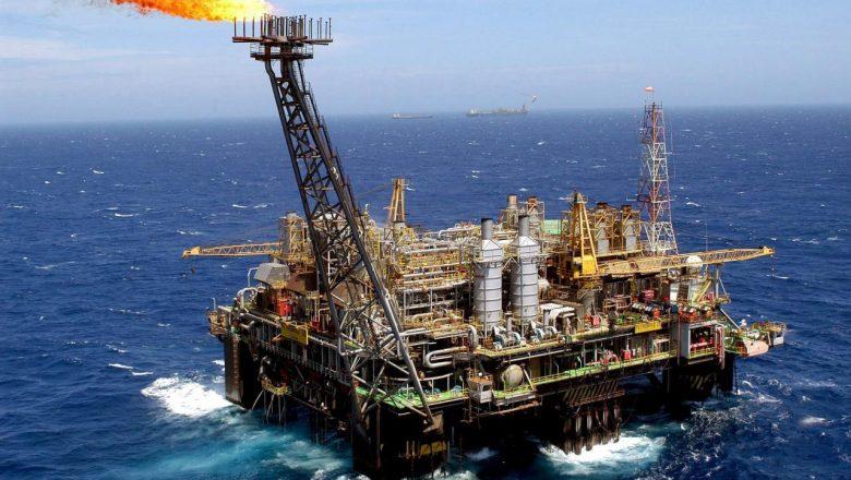 Preço do barril de petróleo segue subindo e pode chegar à casa dos U$ 70