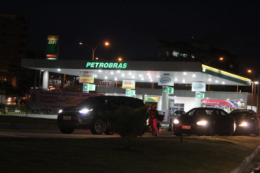 Para dono de posto de combustível em Macaé, aumento no preço da gasolina é de responsabilidade das companhias