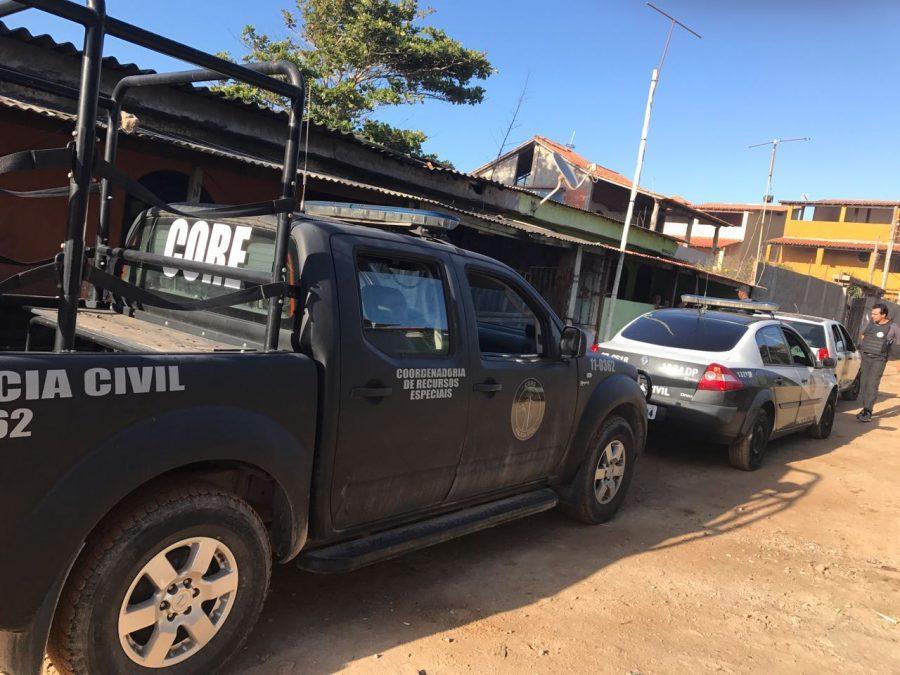 Polícia Civil cumpre 11 mandados de prisão por tráfico de drogas e organização criminosa em Arraial do Cabo