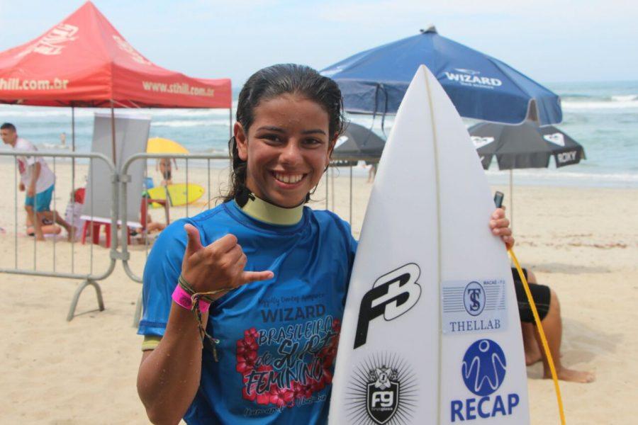 Brhuna Neves conquista o título da última etapa do Circuito Estadual Carioca de Surf Nova Geração