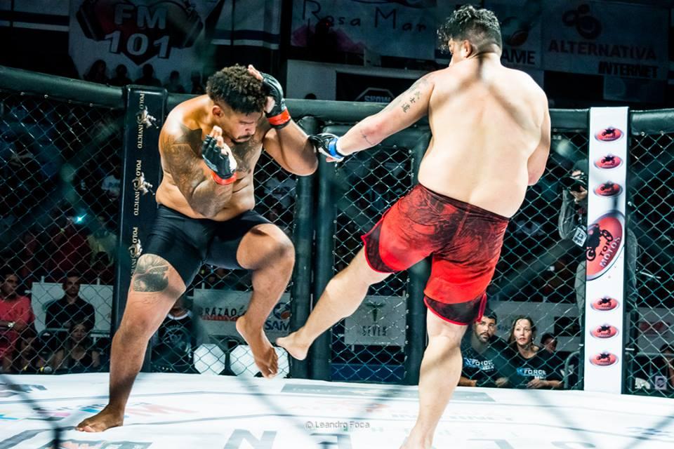 Torcida comparece em bom número ao Juquinha para acompanhar 6ª edição do X Force MMA