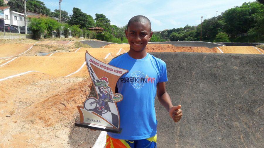 Sillas Andrade surpreende e fatura o primeiro lugar na Copa  BMX Jacareí em São Paulo