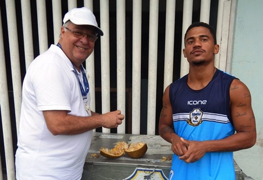 Macaé anuncia a contratação do meia Maranhão, destaque do Carapebus no Carioca deste ano