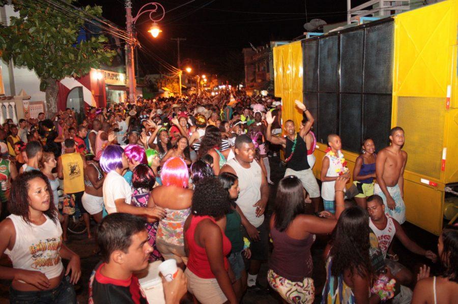 Carnaval de Arraial do Cabo terá blocos e shows pela cidade